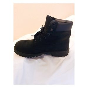 Gently worn black suede timberland boots